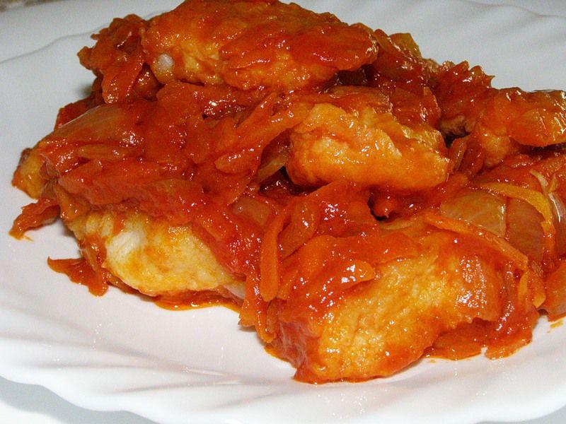 Рыба в томатном соусе с морковью рецепт